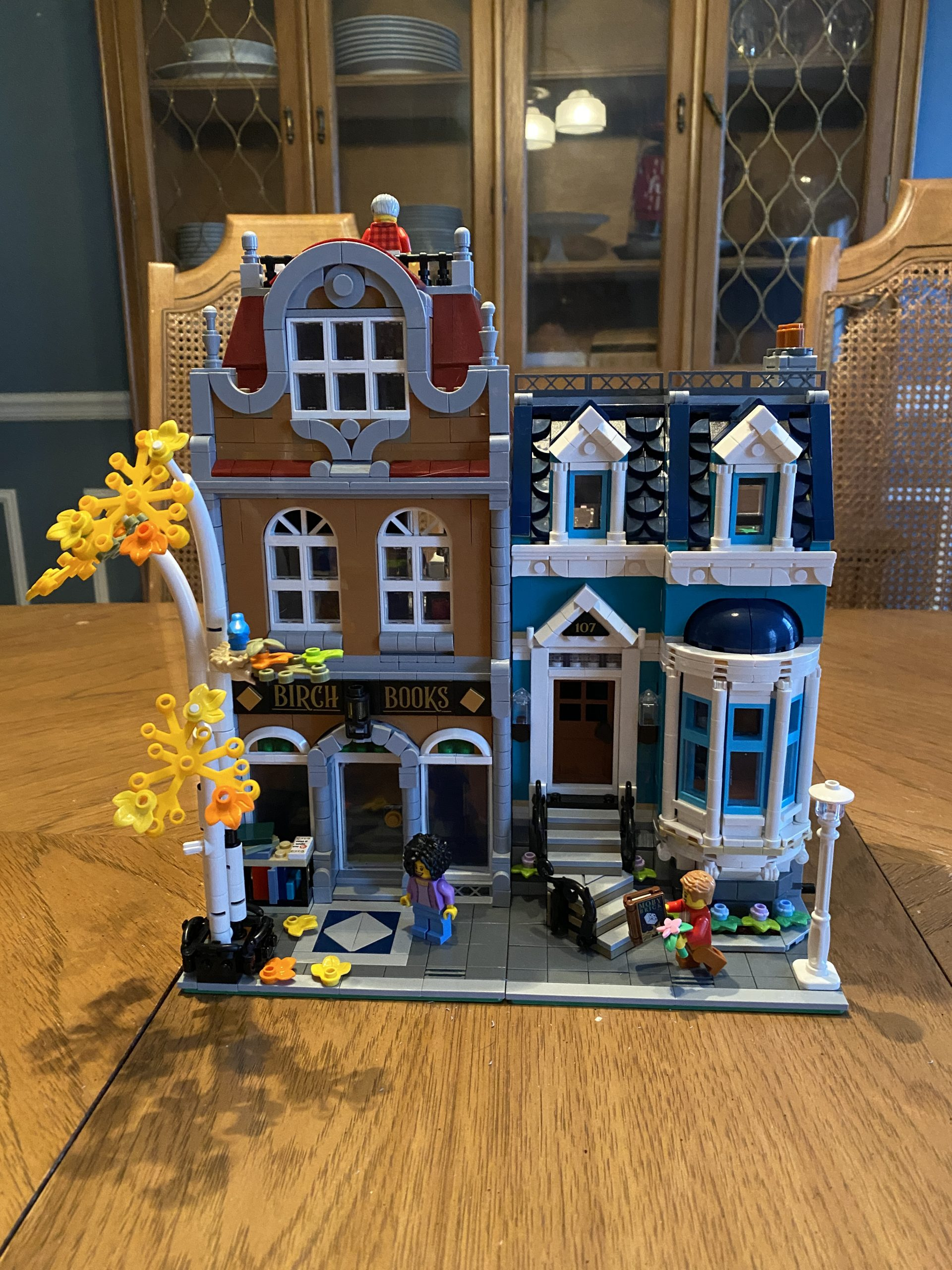 Image of completed LEGO bookshop
